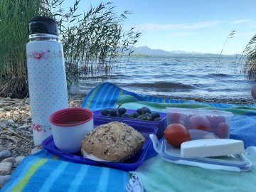 Picknick am Chiemseeufer, © Tourist-info Grassau